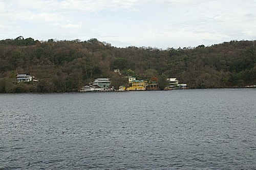 gasparee island compressed.jpg (72212 bytes)