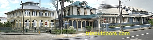 office colonial.jpg (83576 bytes)